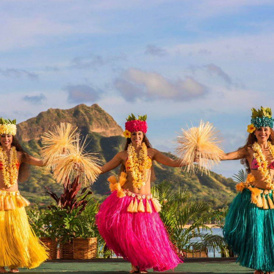 The 9 Best Luaus on Oahu