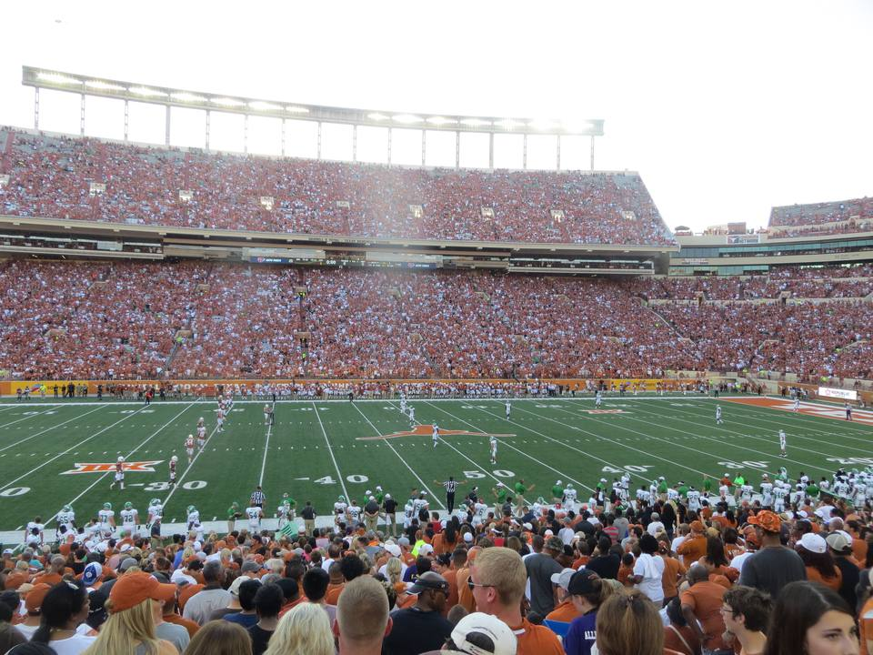Travel Guide For A Texas Longhorns Football Game