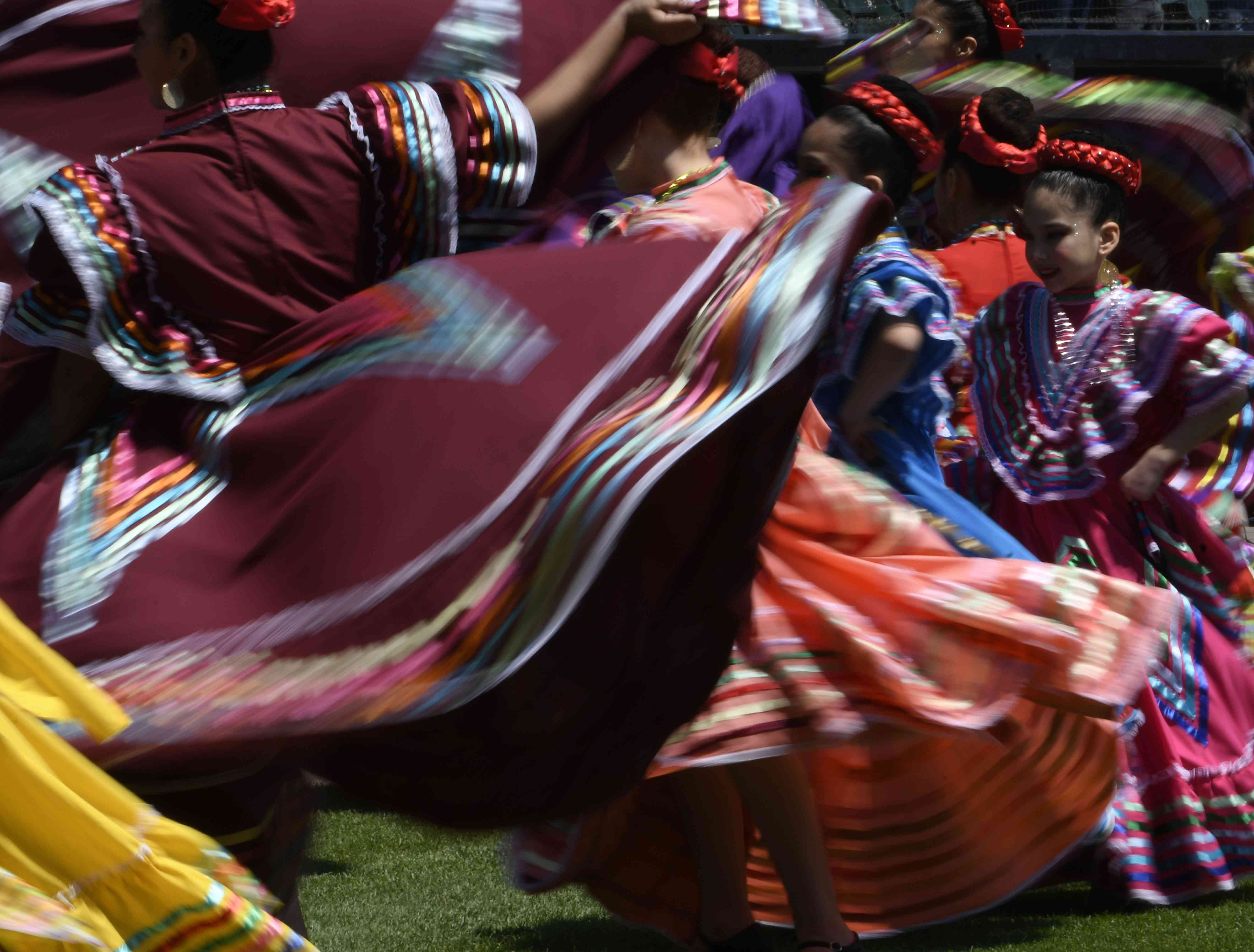 Folklorico dancers in Chicago