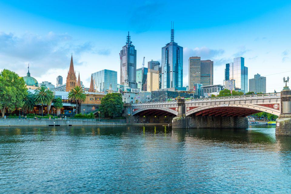 Puesta de sol sobre Melbourne y el río Yarra