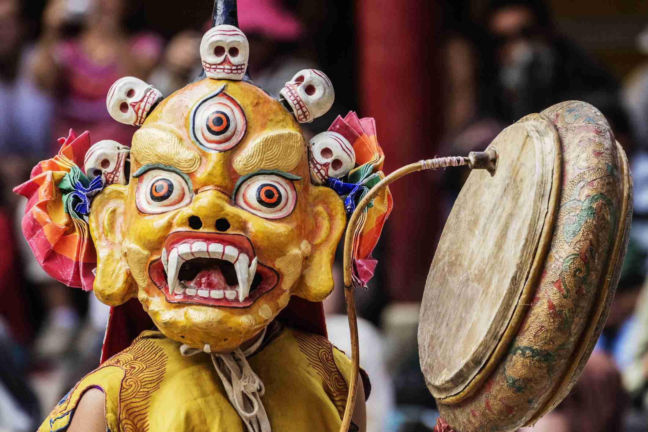 Personaje enmascarado en el Festival Budista de Hemis