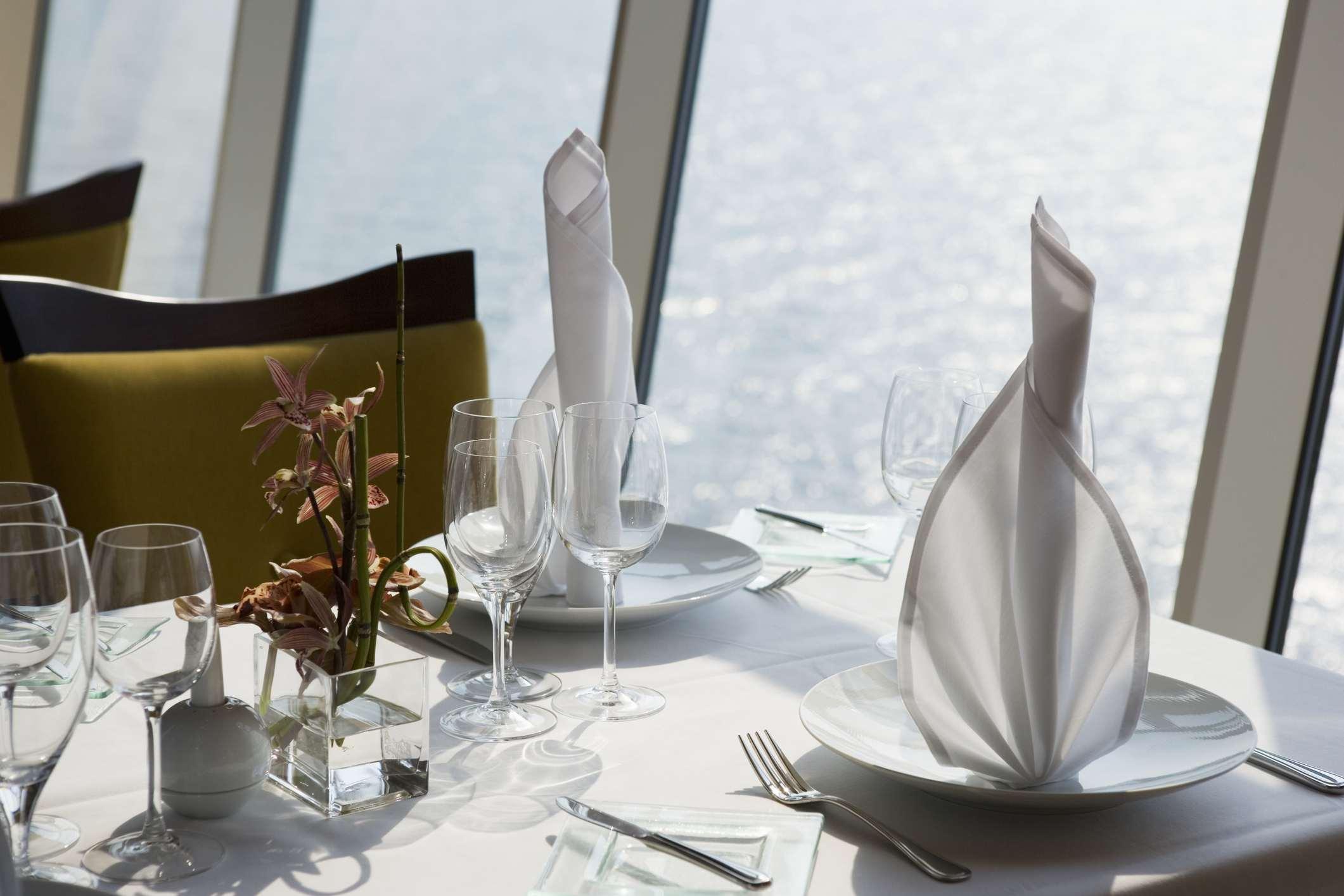 Cruise ship dining