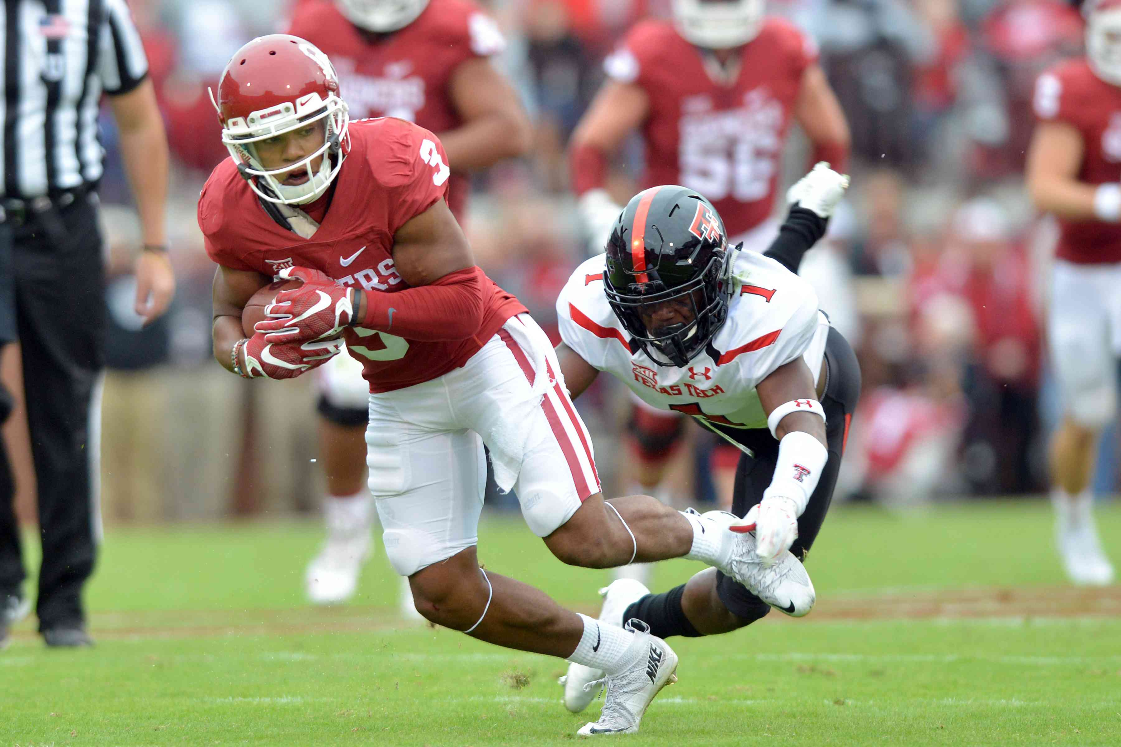 Wide receiver Sterling Shepard #3 of the Oklahoma Sooners ,