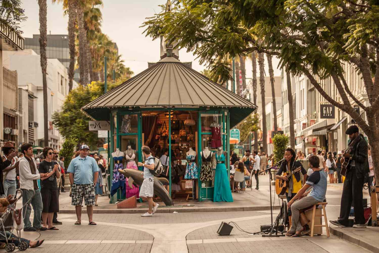 Third Street Promenade en Santa Mónica, California