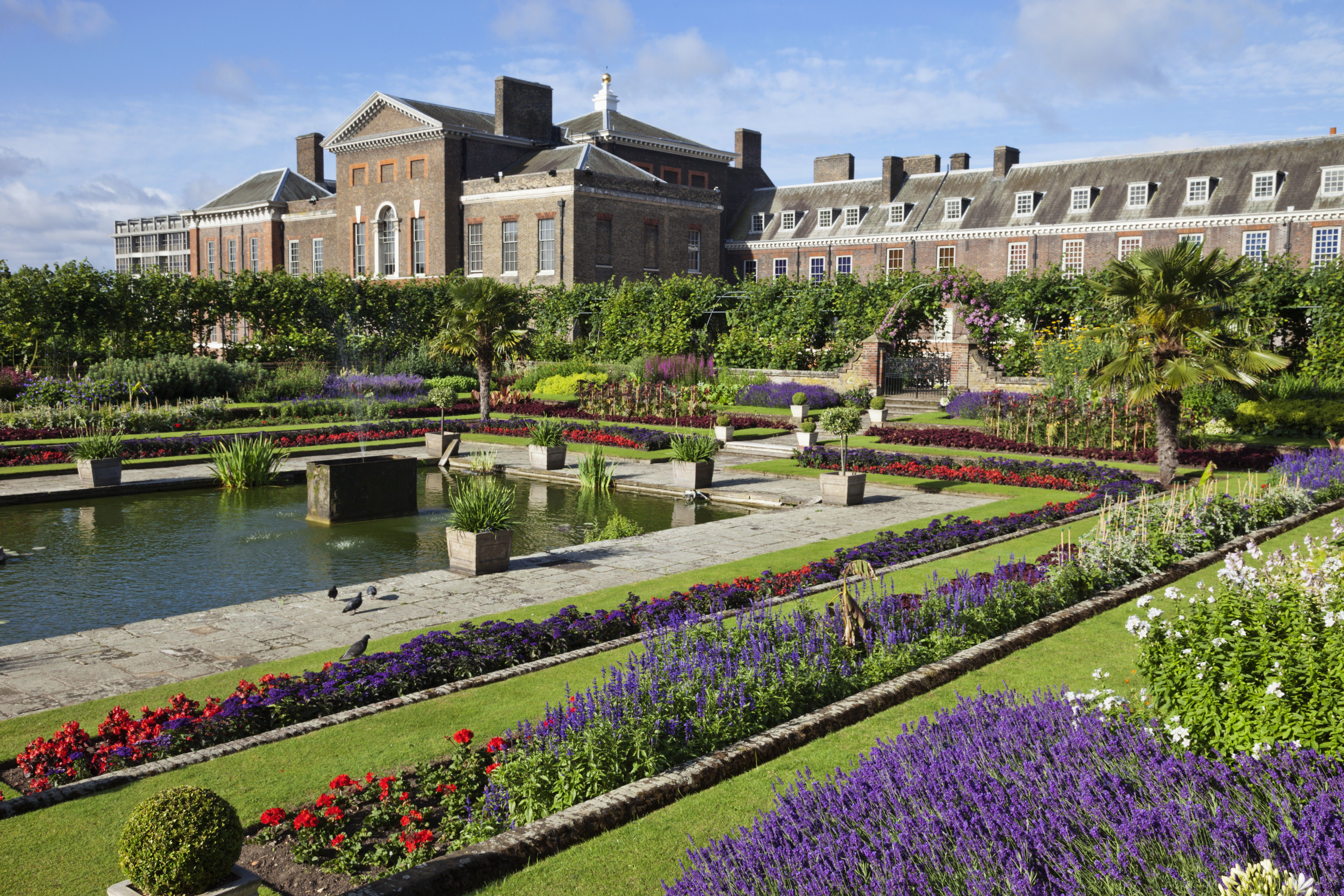 England,London,Kensington,Kensington Gardens,Kensington Palace,The Sunken Garden