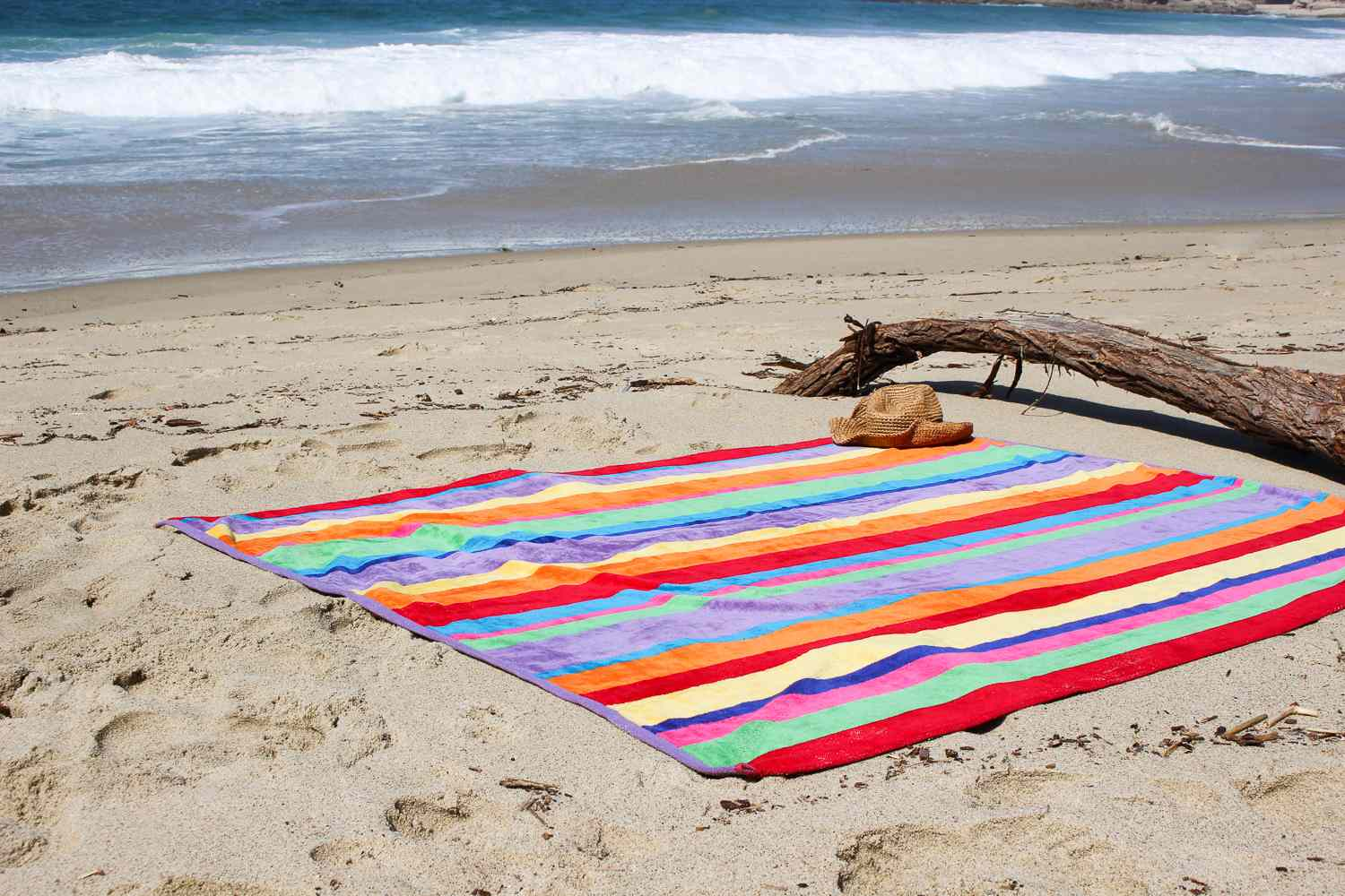 Cotton Craft Luxury Beach Towel Review: Colorful And Oversized