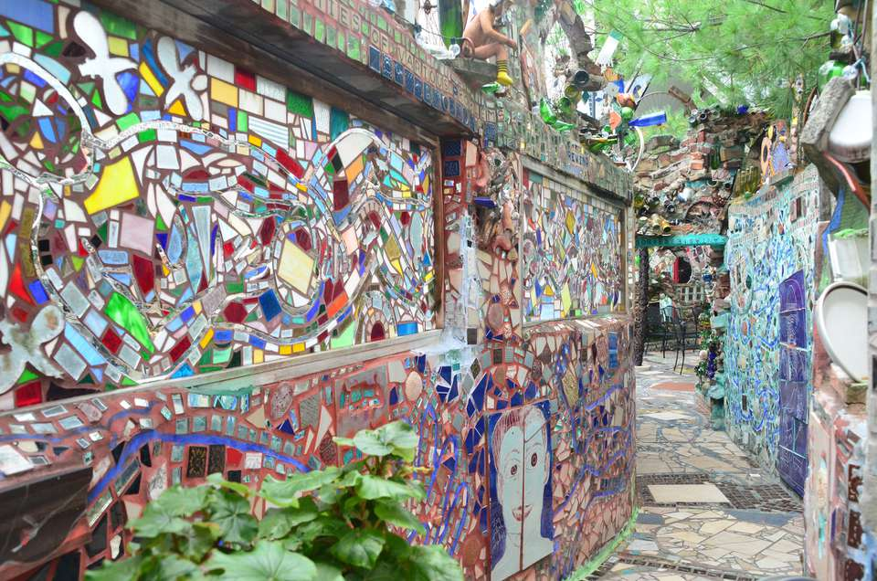Philadelphia S Magic Gardens The Complete Guide