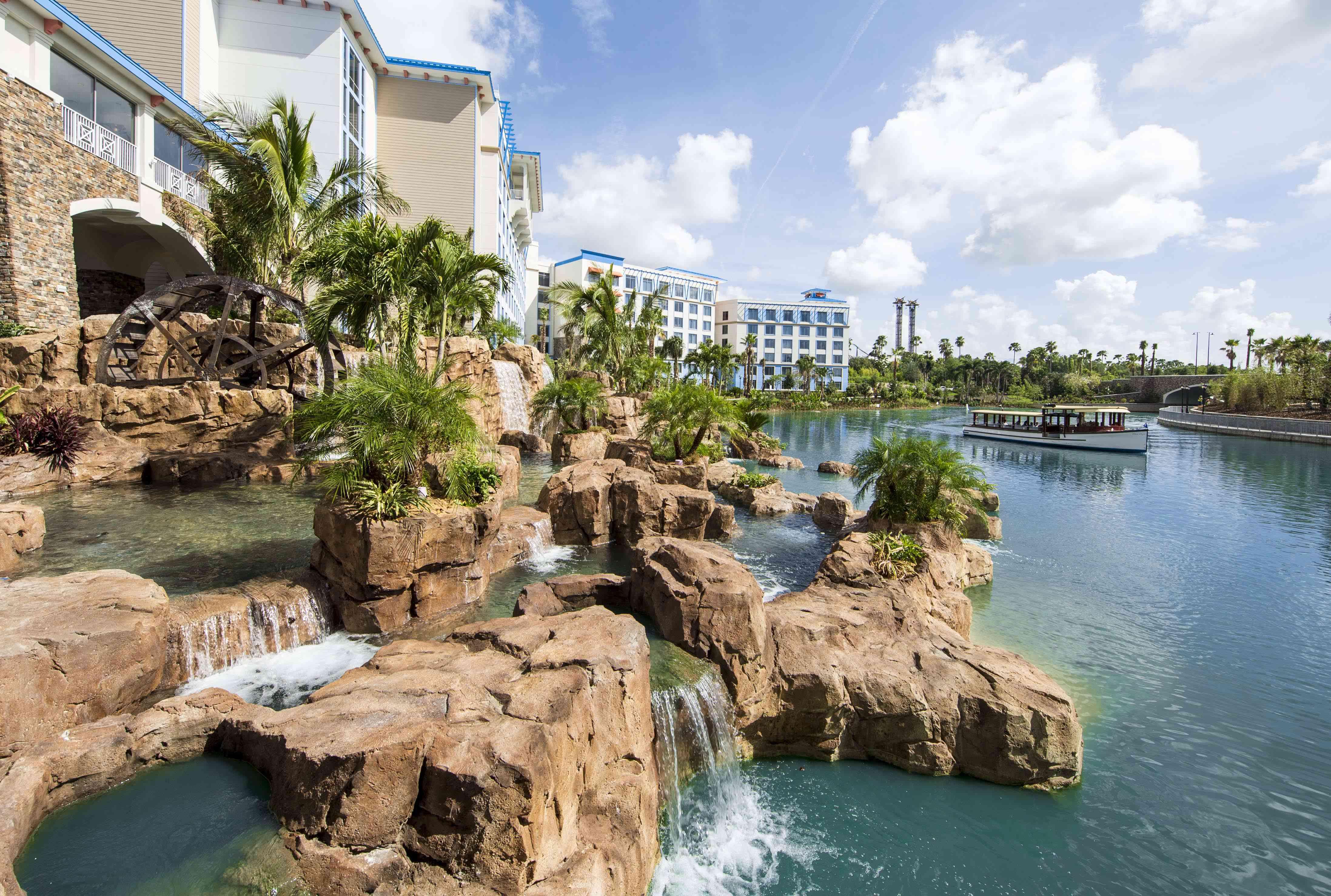 Exterior of Loews Sapphire Falls Resort