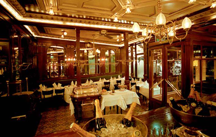 The main dining area at Brasserie Gallopin.