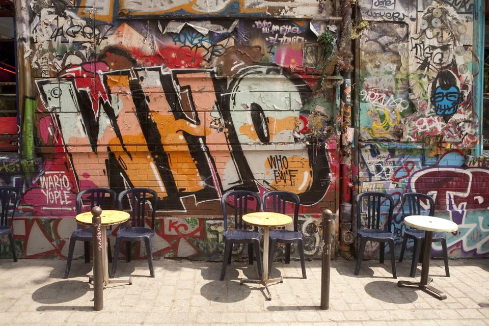 Graffiti in Belleville, Paris