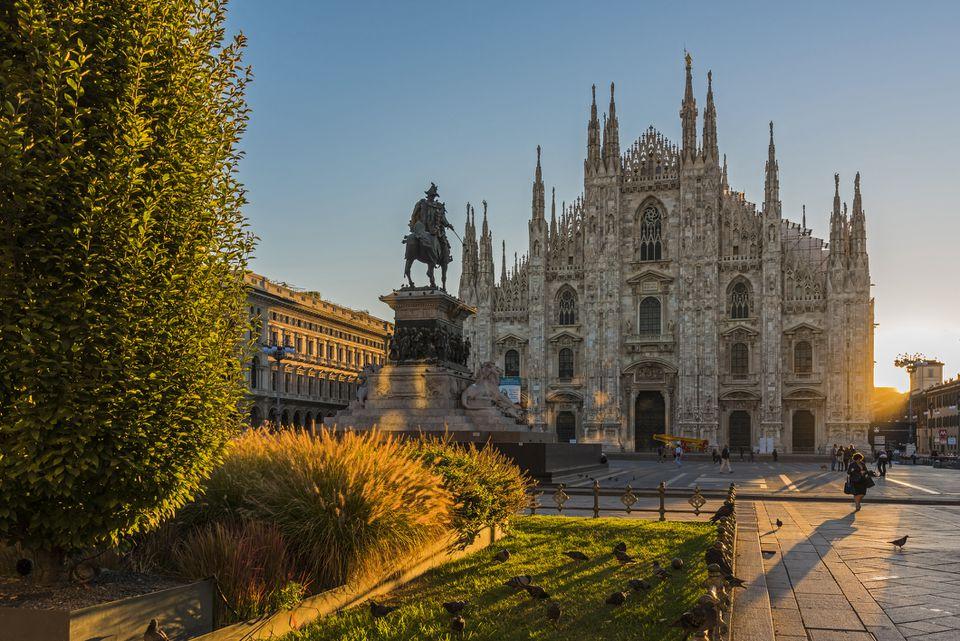 Italy, Lombardy, Milan, Piazza del Duomo