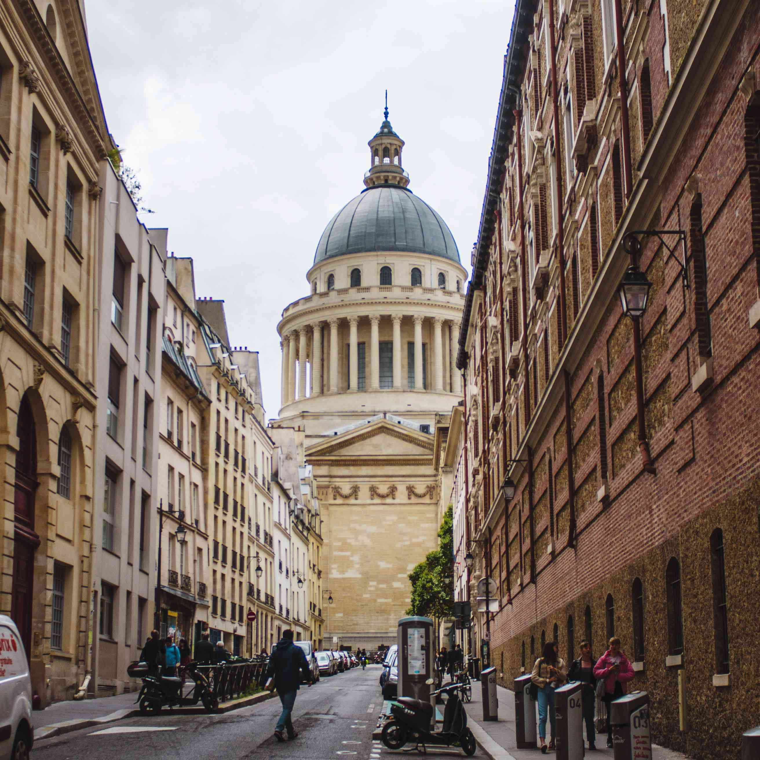Street leading to the Pantheon