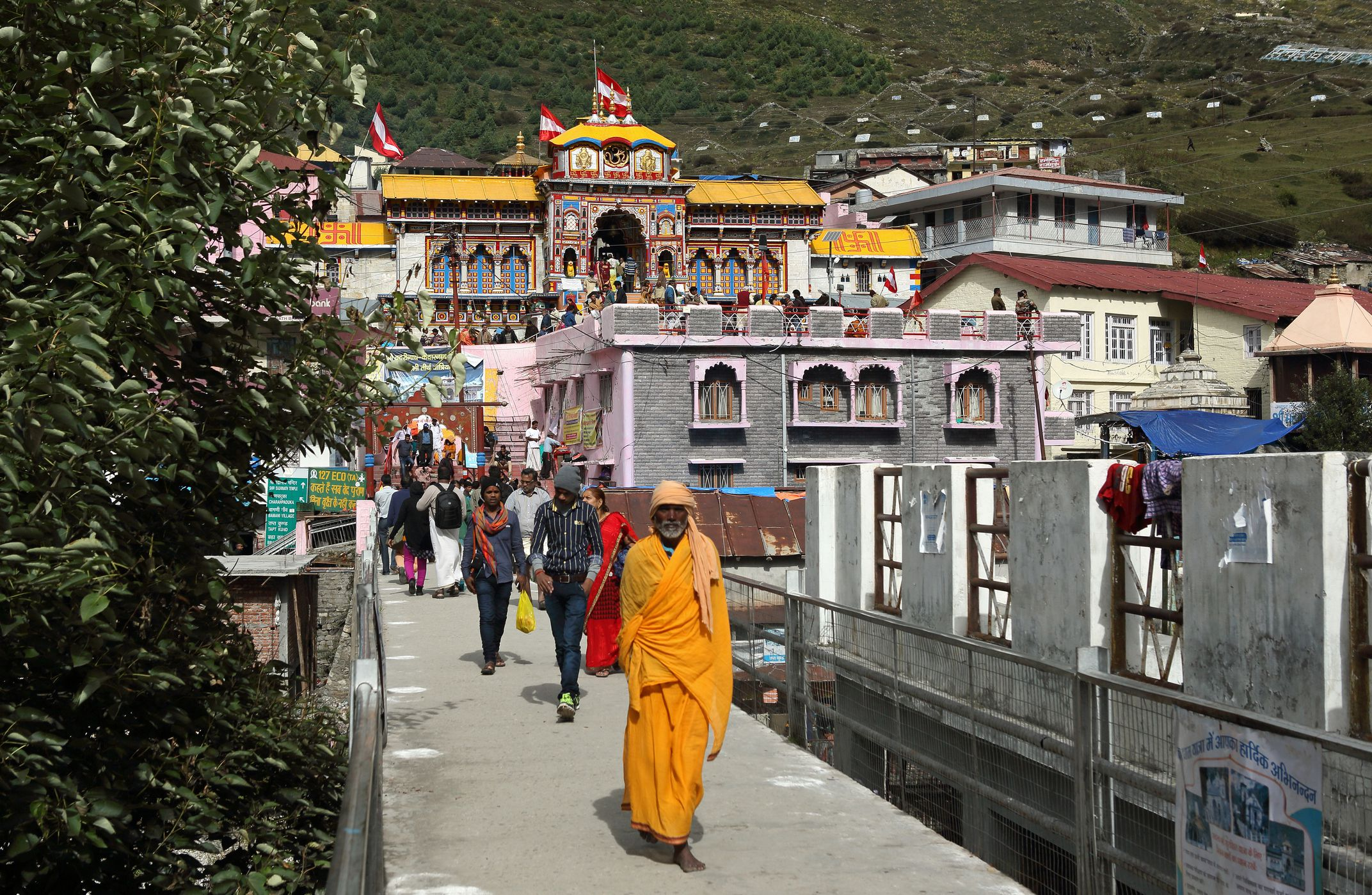 Badrinath Temple in Uttarakhand: The Complete Guide