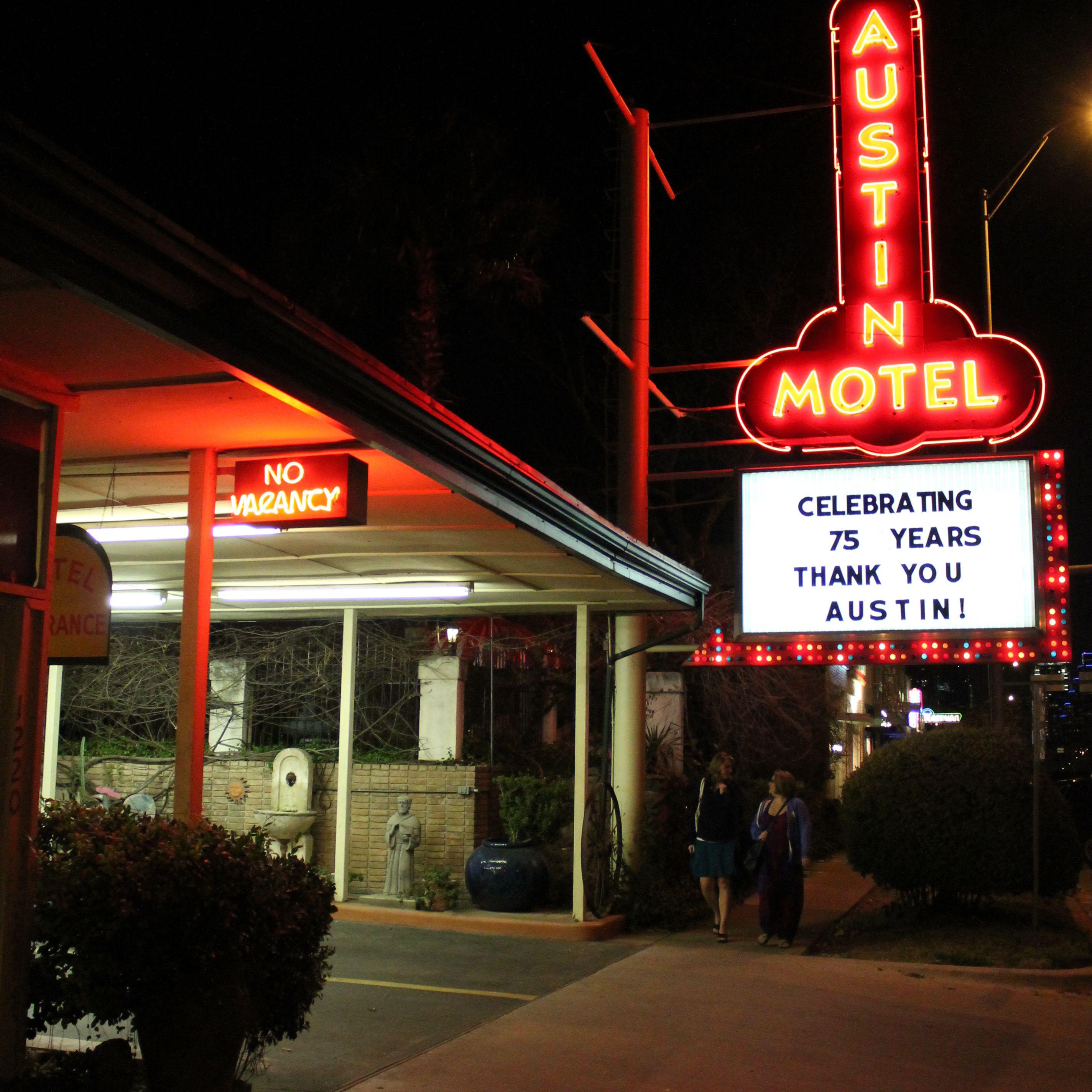 Austin Gay Hotels Guide Gay Friendly Resorts In Austin Tx
