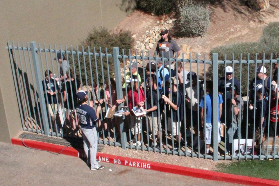 Getting Autographs at Spring Training Games