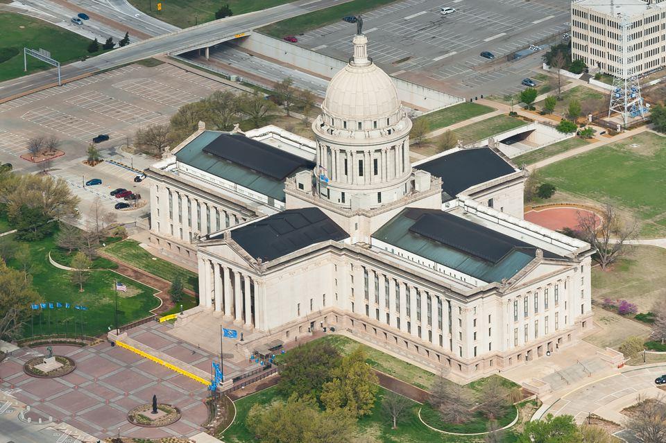 Vista desde arriba del Capitolio de Oklahoma, cerca del centro de la ciudad de Oklahoma.