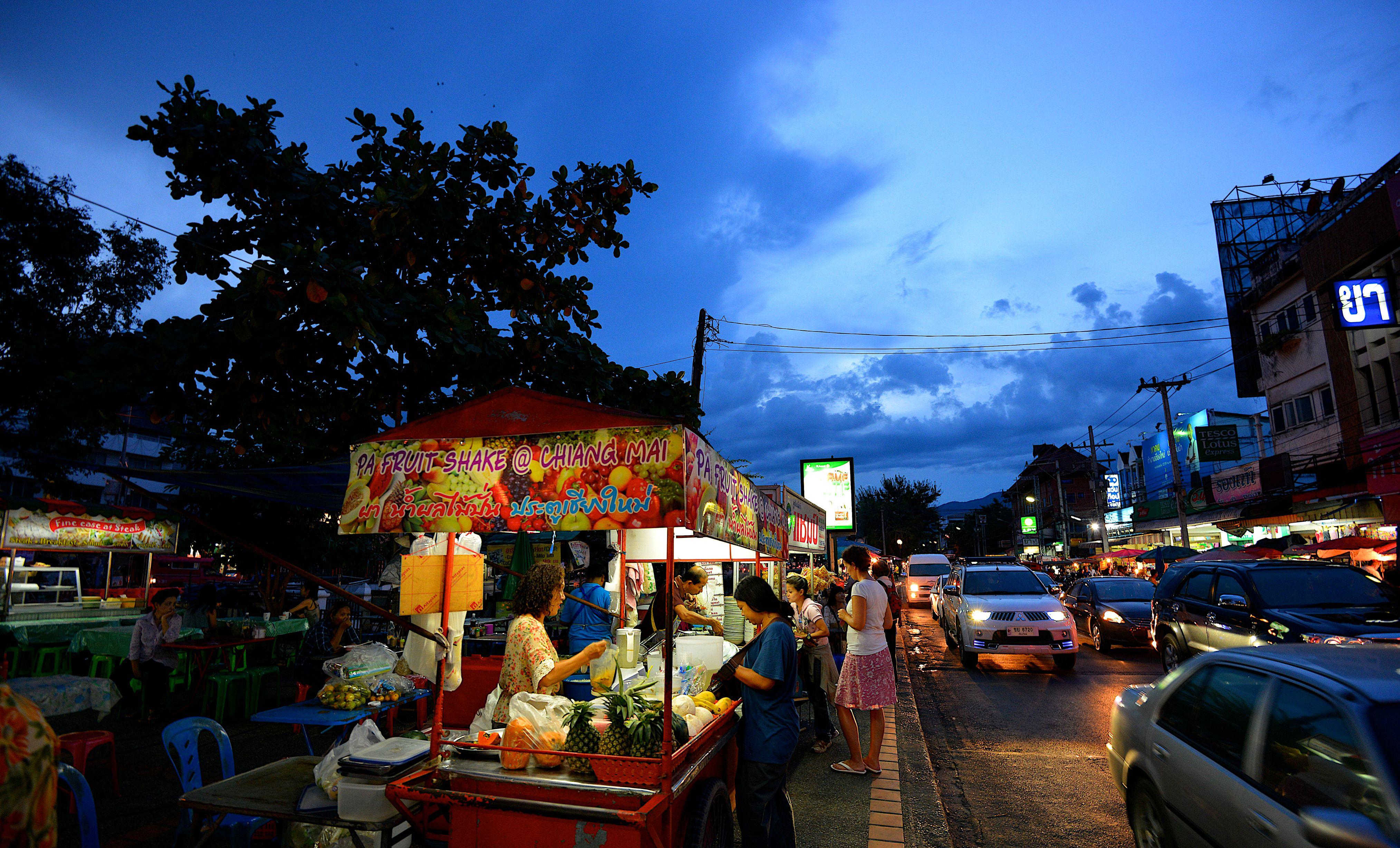 Mercado nocturno de comida callejera, Chiang Mai