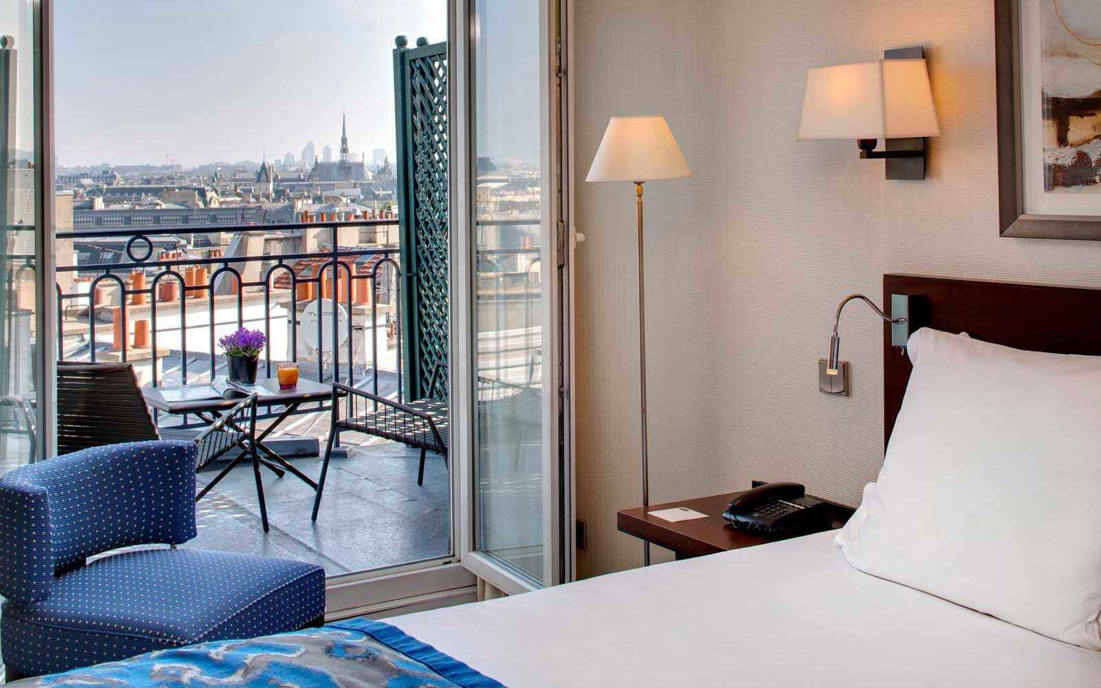 Hotel Le Sénat, room with views, Paris