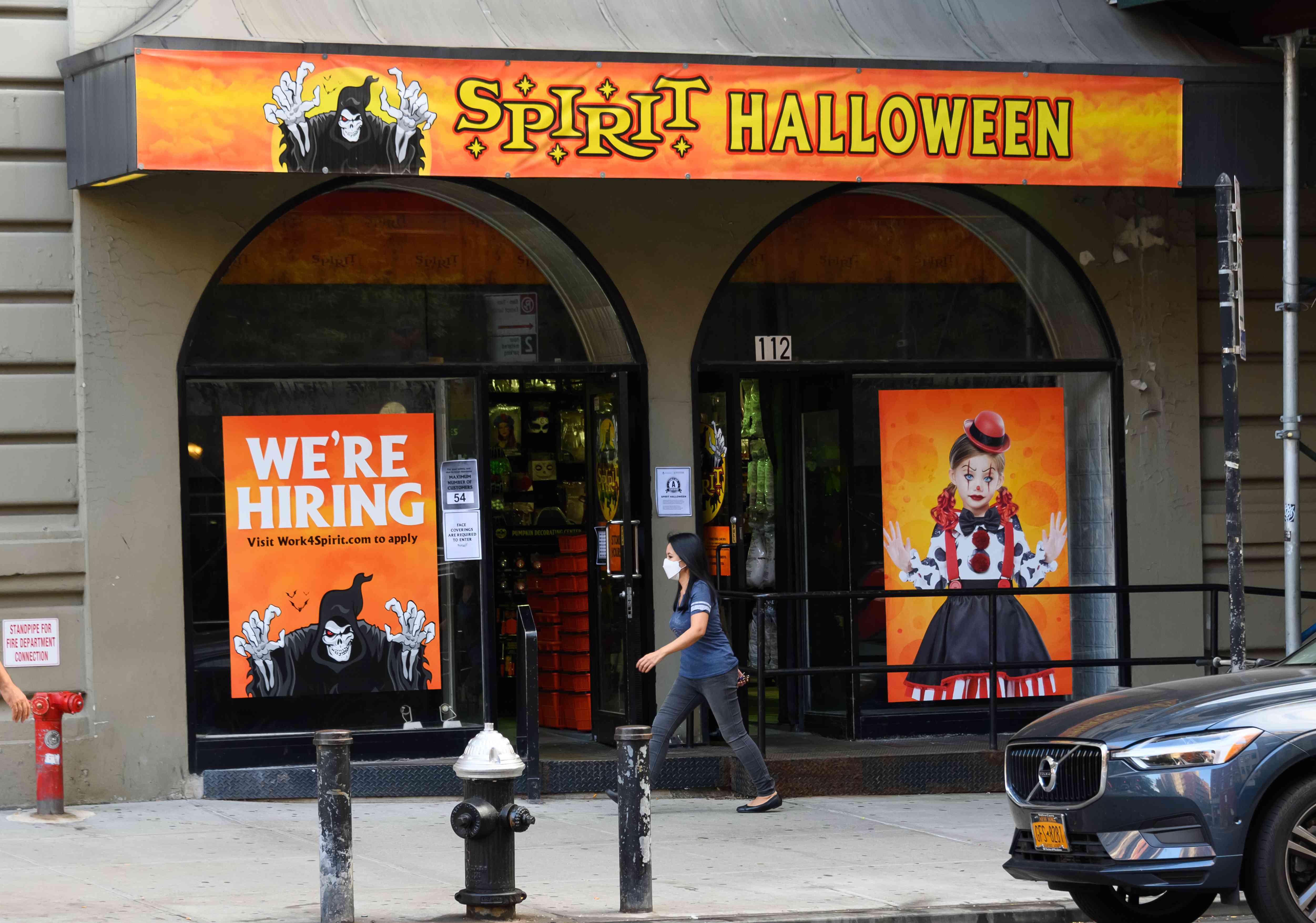 Spirit Halloween storefront