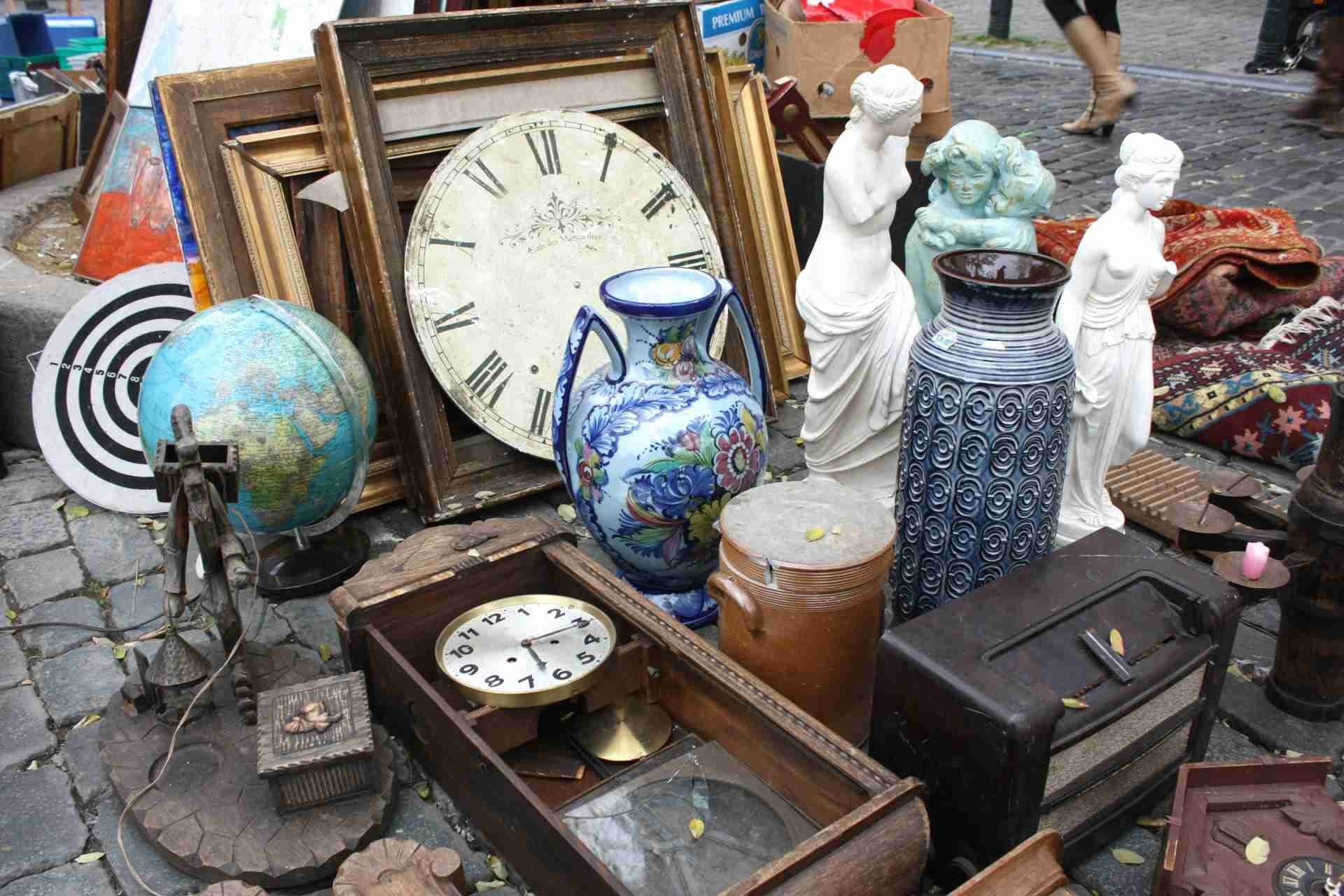 yard sale style 7 things to shop for to decorate on the.htm budget shopping in paris  budget shopping in paris