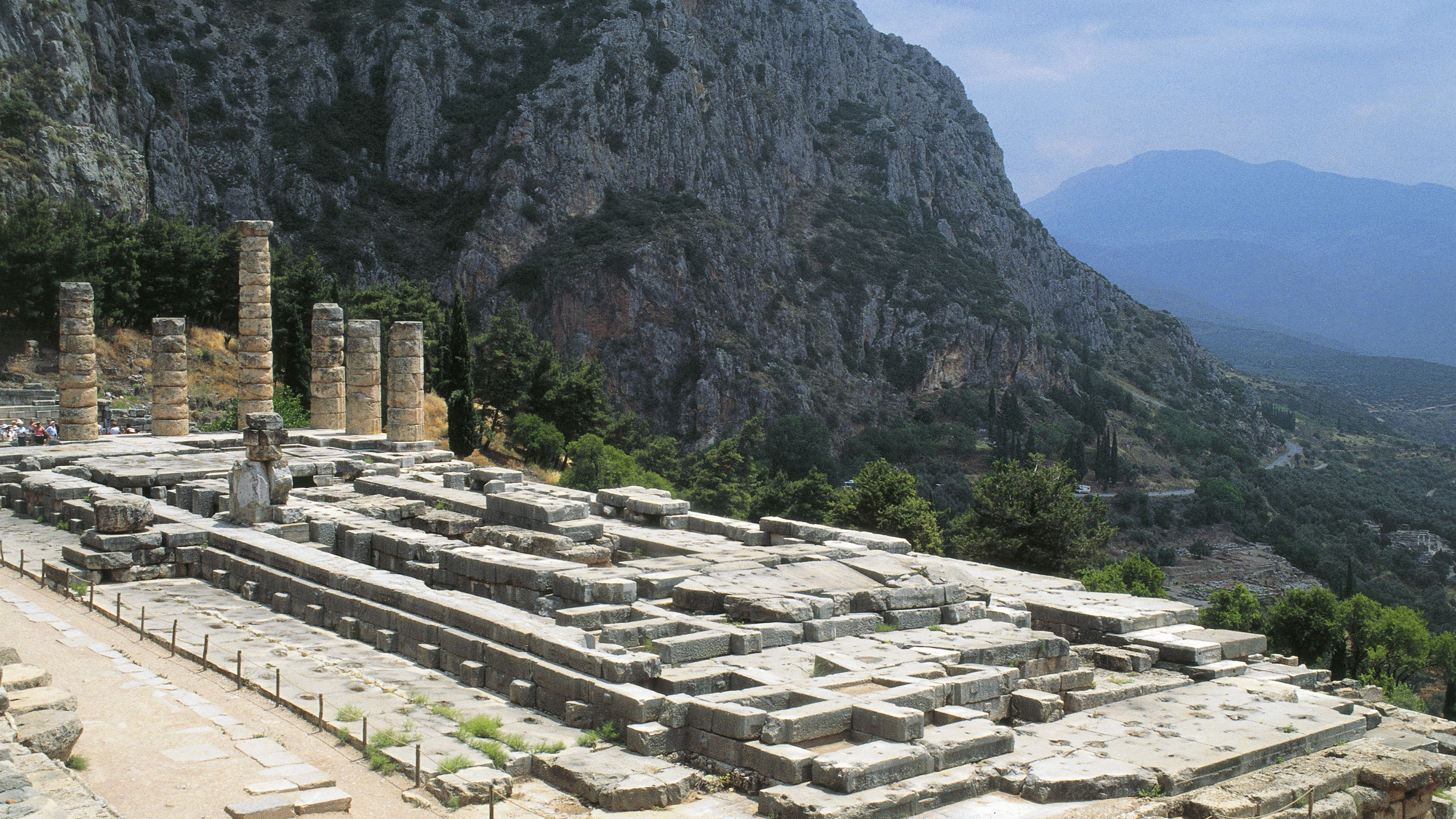 Temple of Apollo at Delphi: The Complete Guide