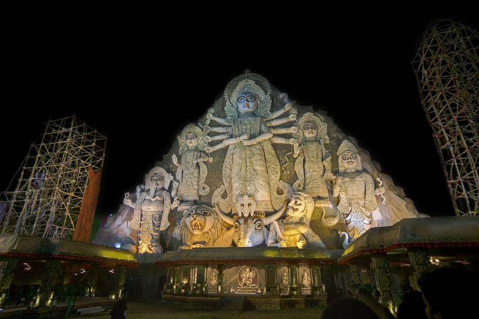 Photo gallery 25 pictures of durga puja in kolkata worlds biggest durga idol altavistaventures Images