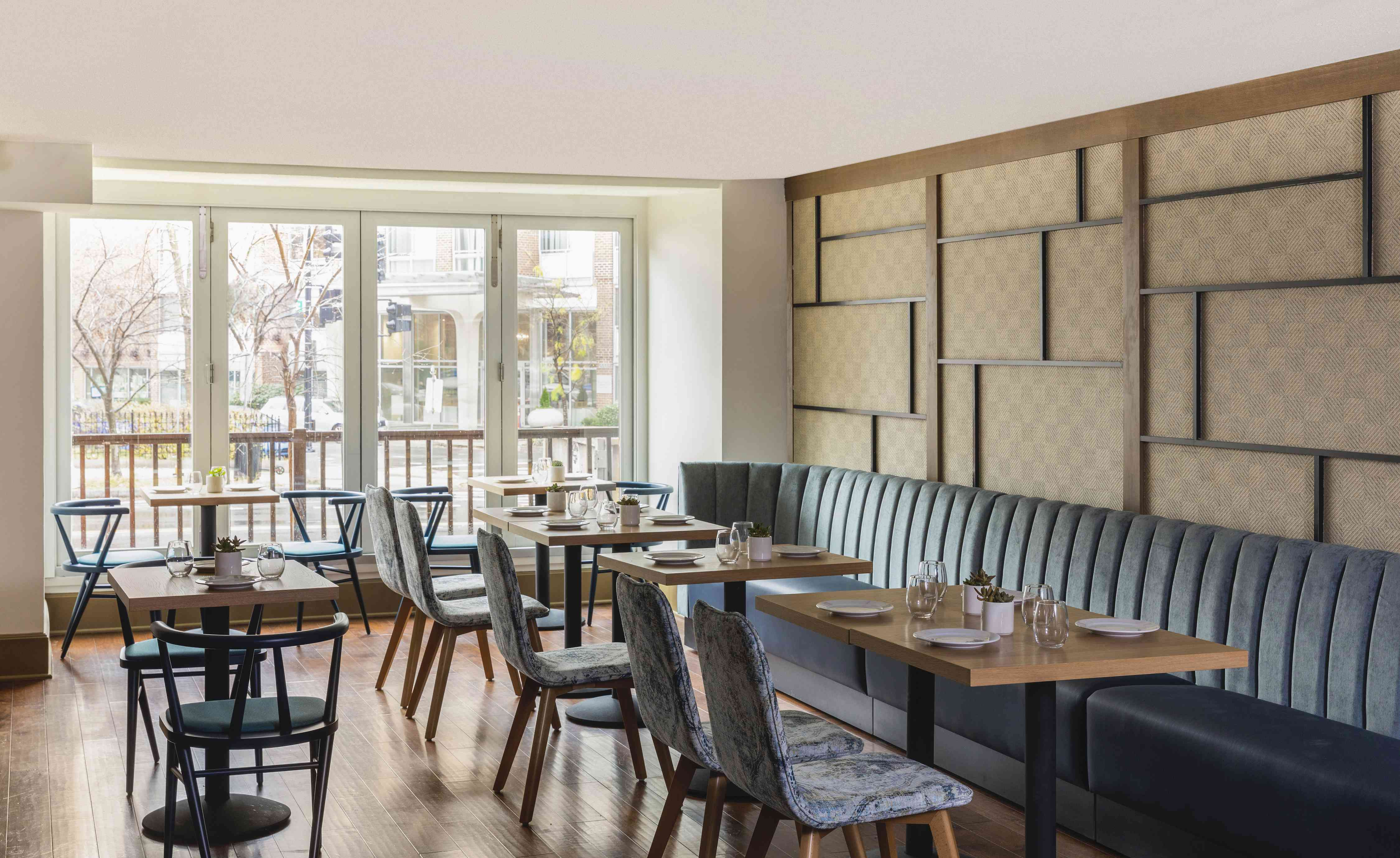 Firefly Kitchen + Bar in Hotel Madera