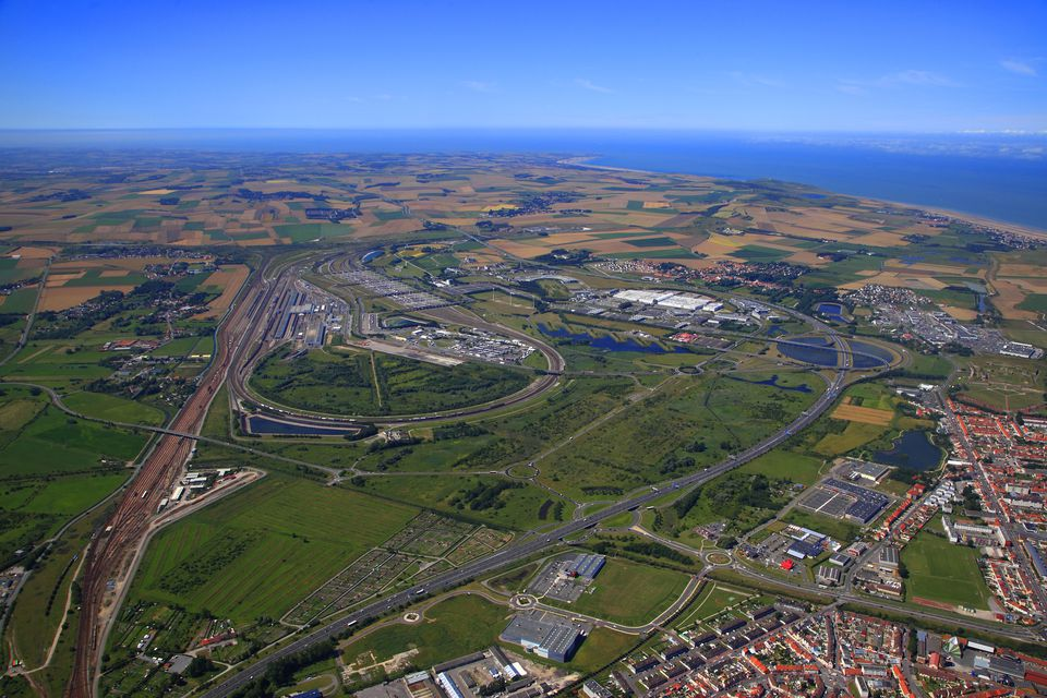 english channel tunnel distance