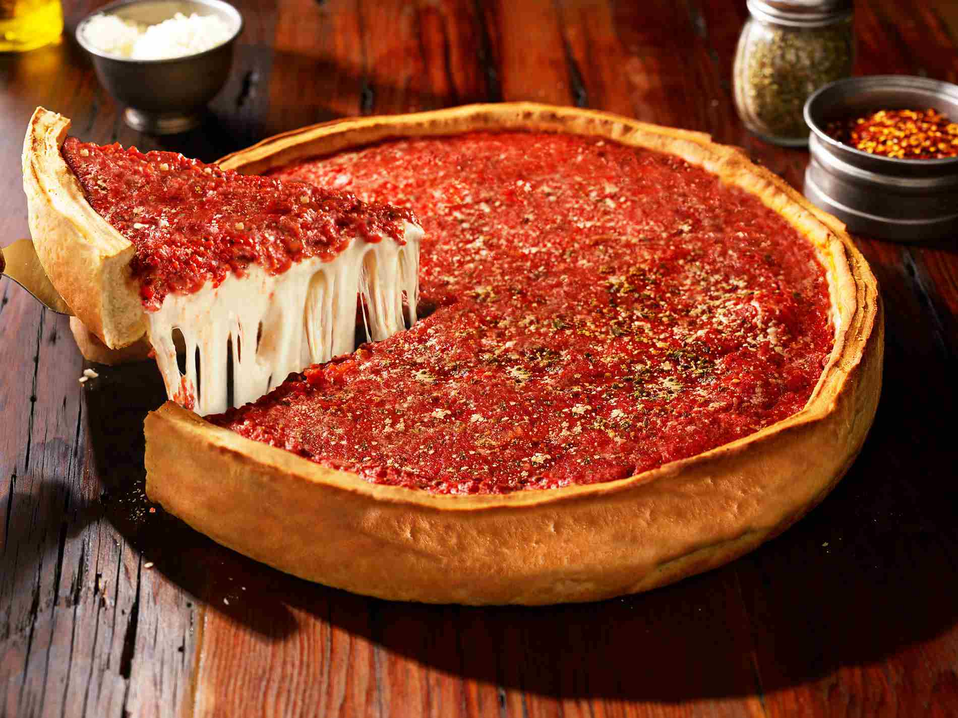 The 6 Best Places For Deep Dish Pizza In Chicago