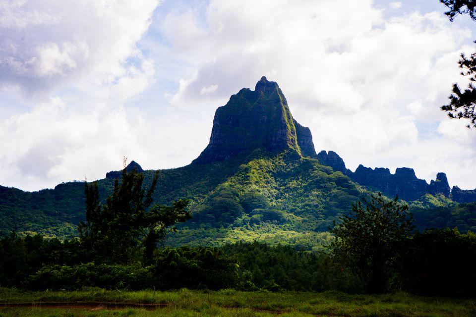 Una montaña en Moorea