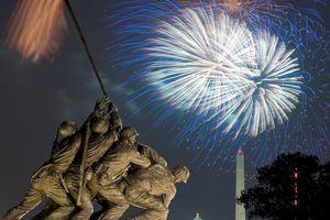 Washington, DC fireworks and the Iwo Jima Memorial