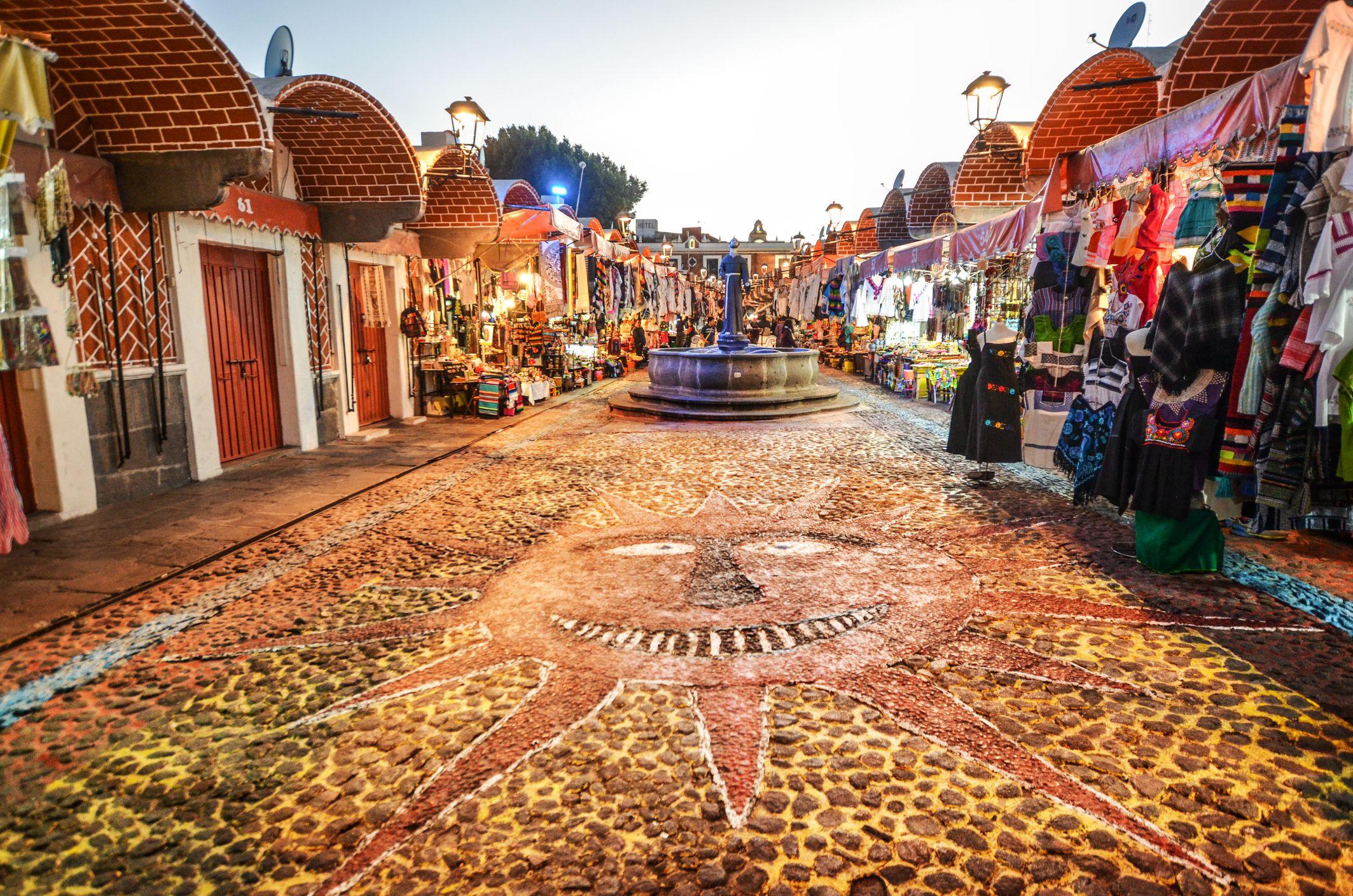 Crafts fair in the city of Puebla, Mexico