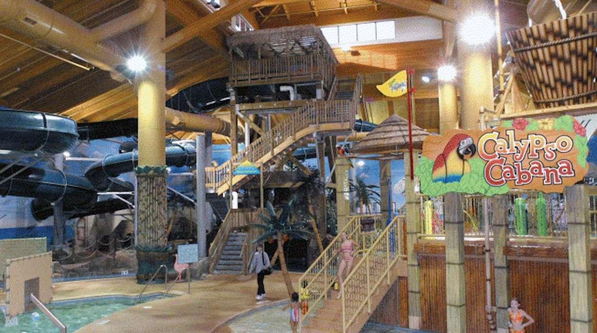 El parque acuático cubierto Big Splash en el Arrowwood Resort en Minnesota