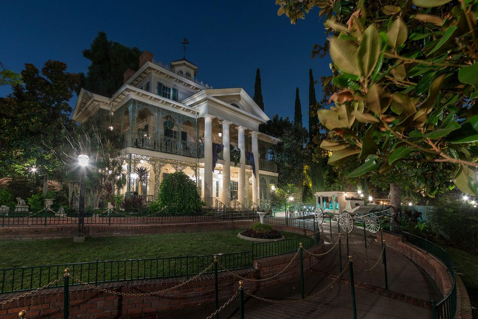 Haunted Mansion at Disneyland exterior