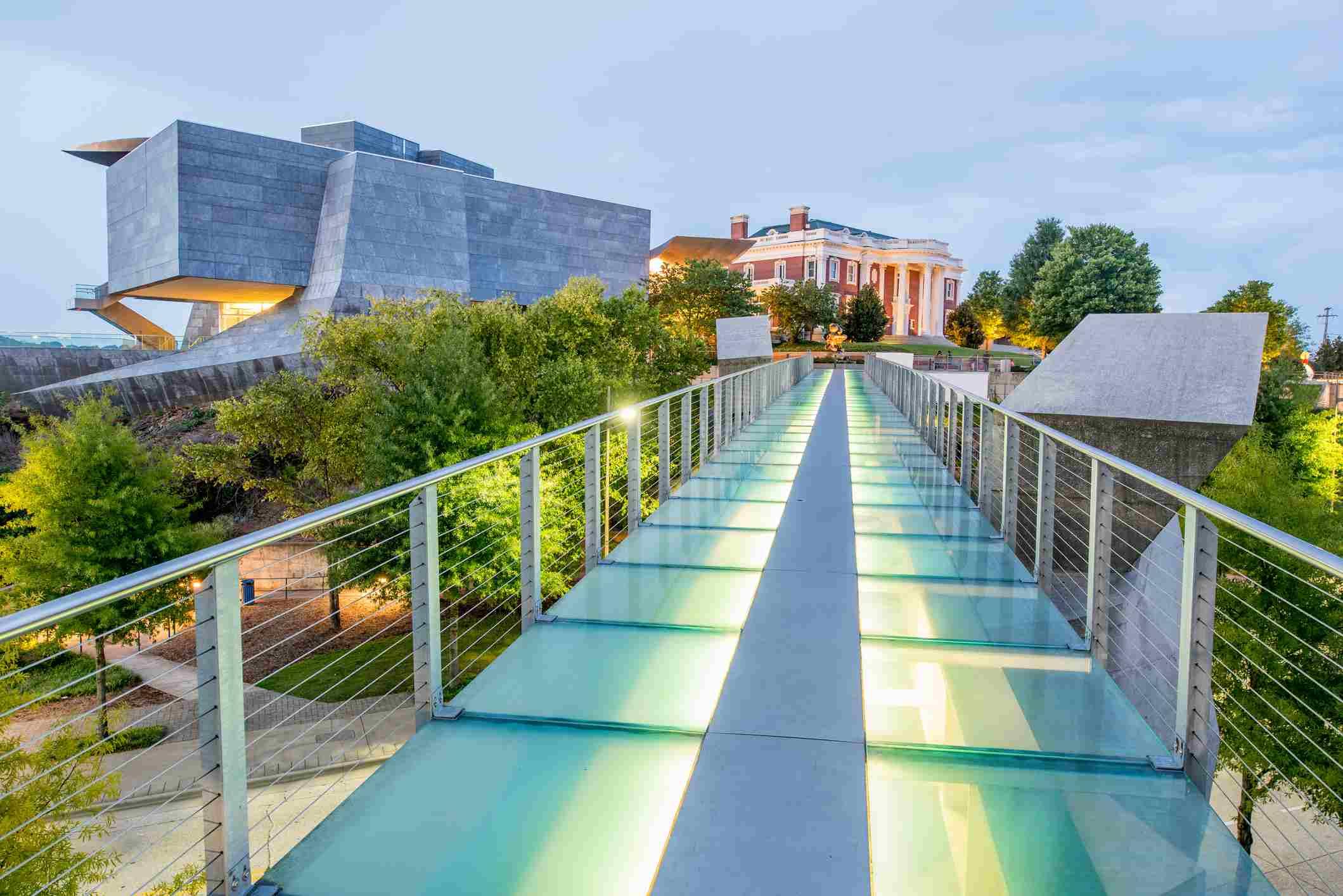 Glass Pedestrian Bridge and Hunter Museum, Chattanooga, Tennessee