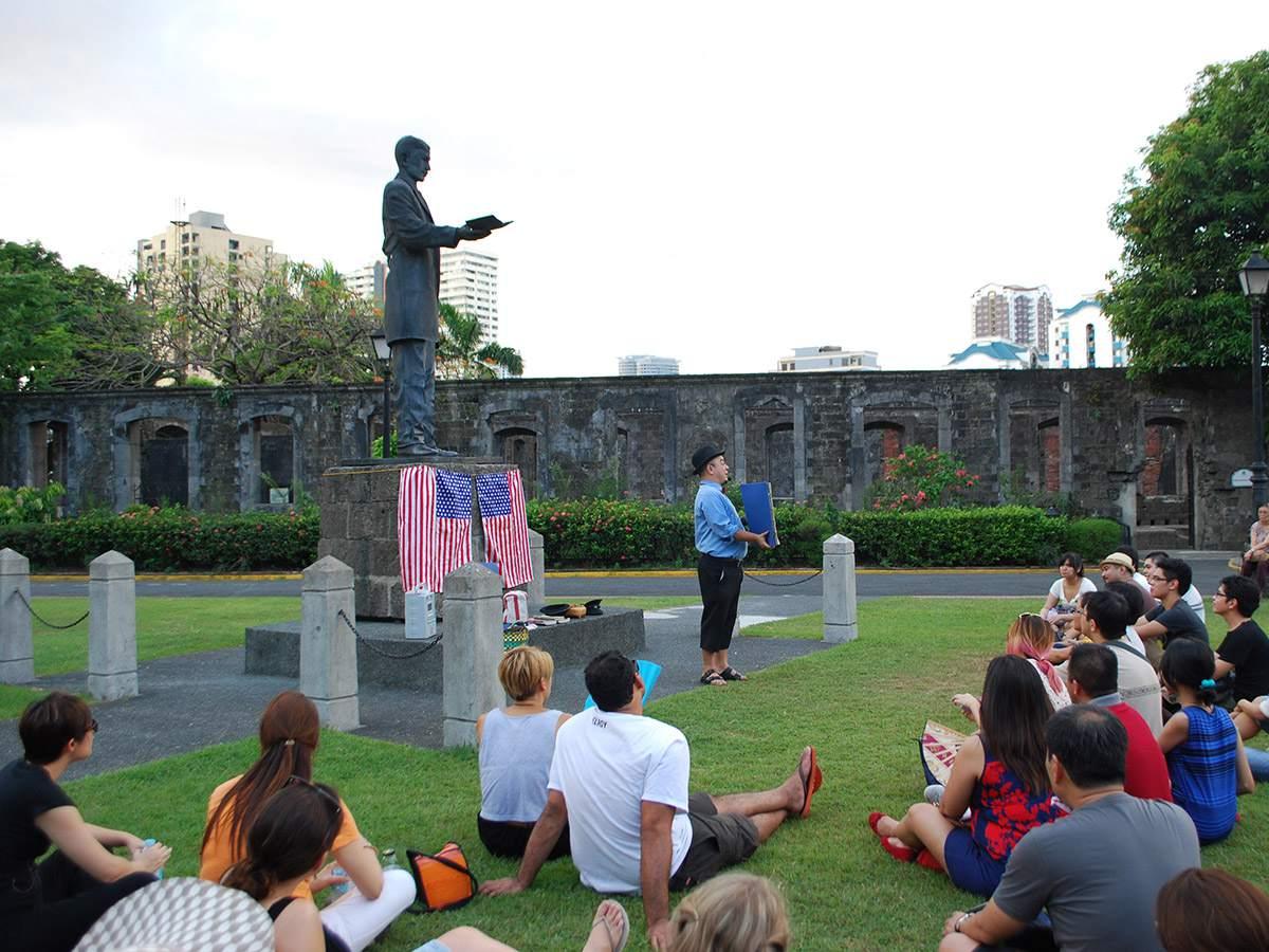 Carlos Celdran conducting tours of Fort Santiago, Manila
