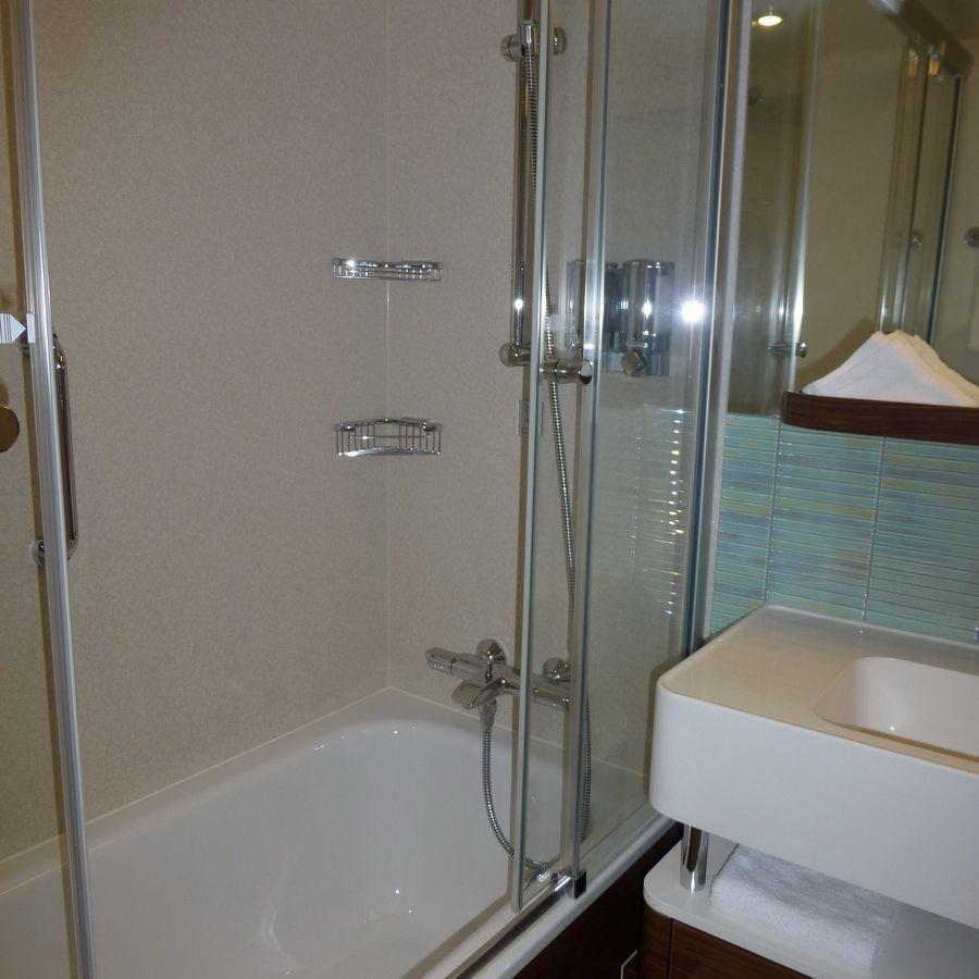 Norwegian Breakaway Family Oceanview Cabin Bathroom
