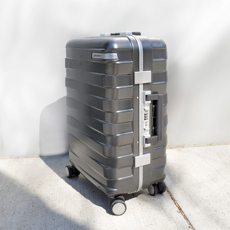 "Samsonite Framelock 20"" Spinner"