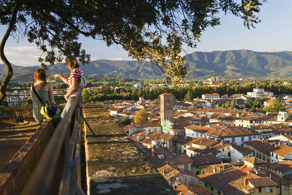Lucca Travel and Tourism Guide
