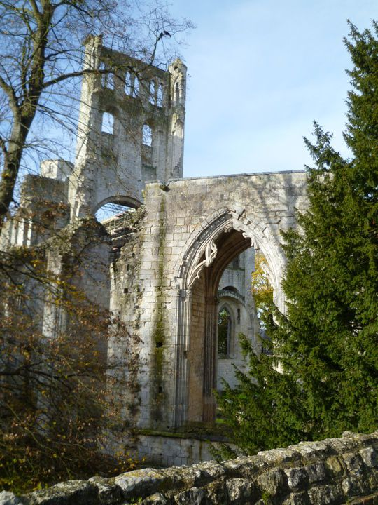 Planning A Road Trip >> Romantic Jumieges Abbey Ruins in Normandy
