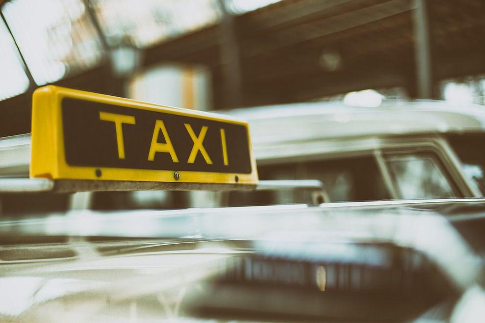 Taxi en el tráfico