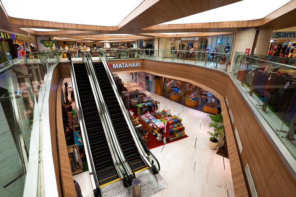 Interior of the shops in Lippo Mall