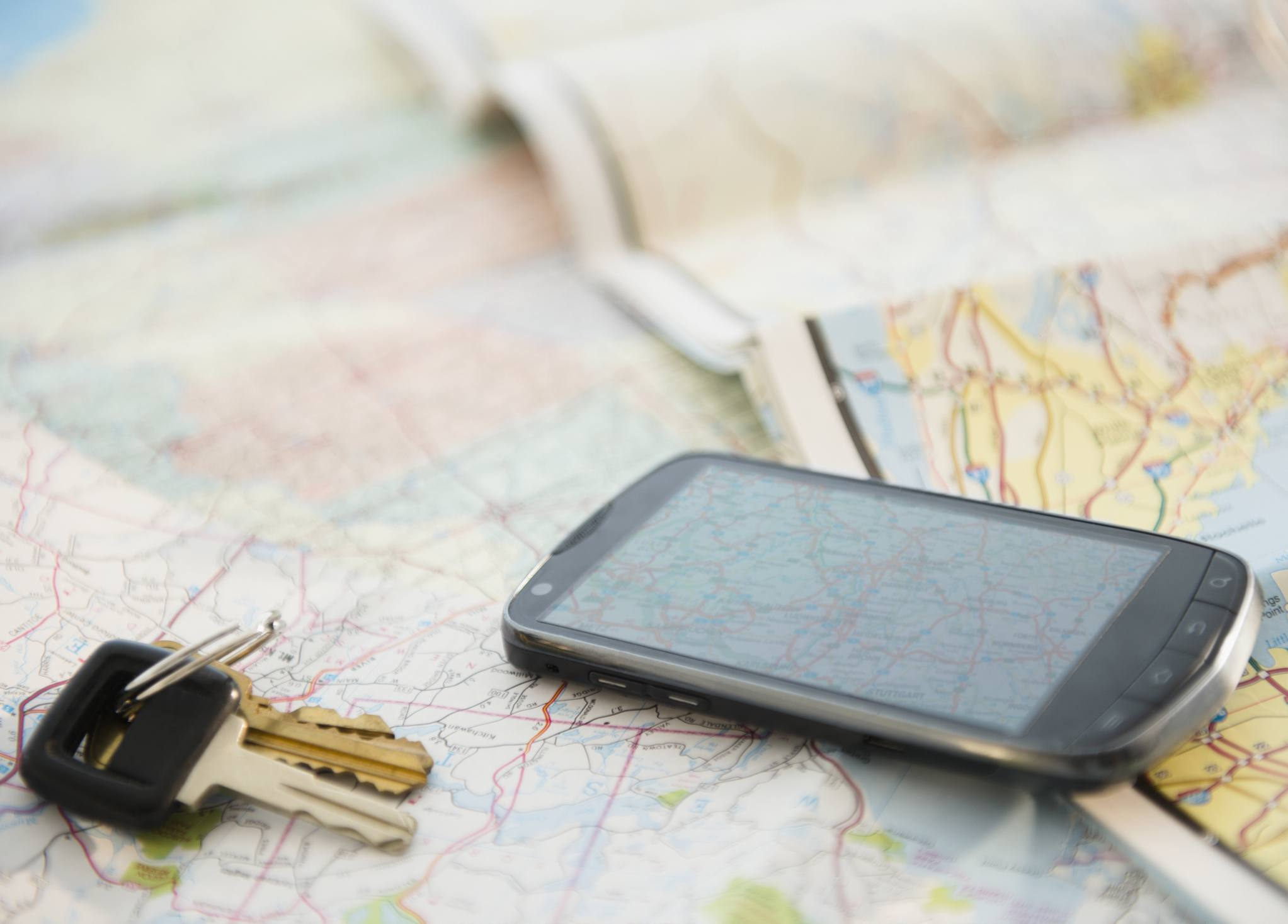 10 Ways to Use Less Mobile Data When You Travel