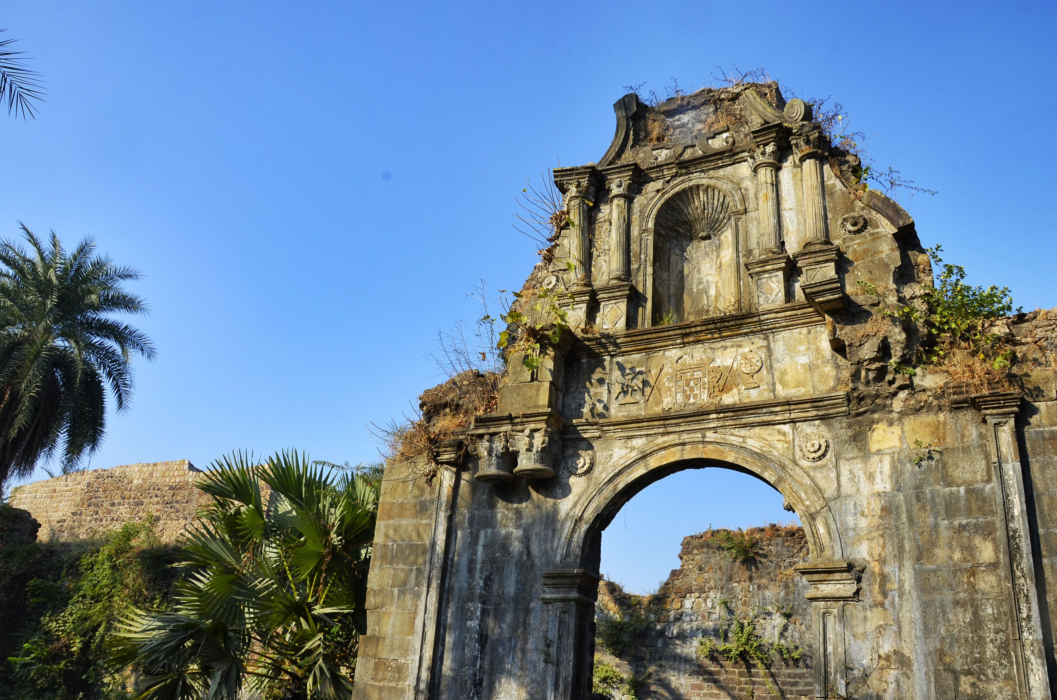Entrance to the citadel in Vasai Fort.