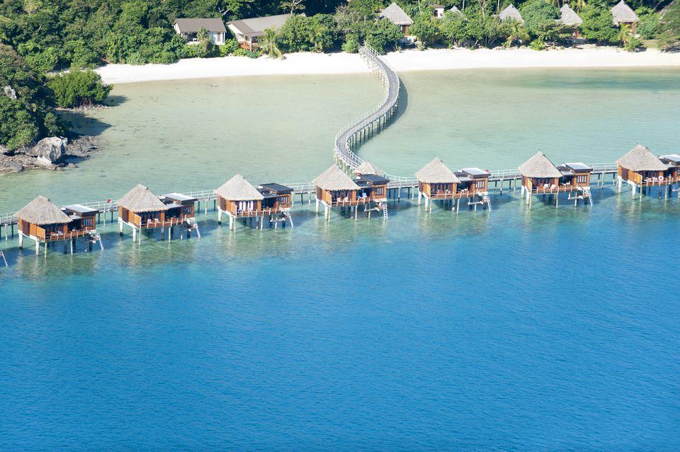 Complejo de bungalows sobre el agua