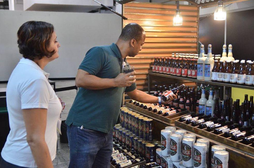 Man looking at the beer selection at Mondial de la Bière