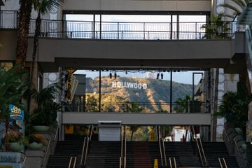 Los Angeles Tourism And Entertainment Industry Stifled By Coronavirus Restrictions