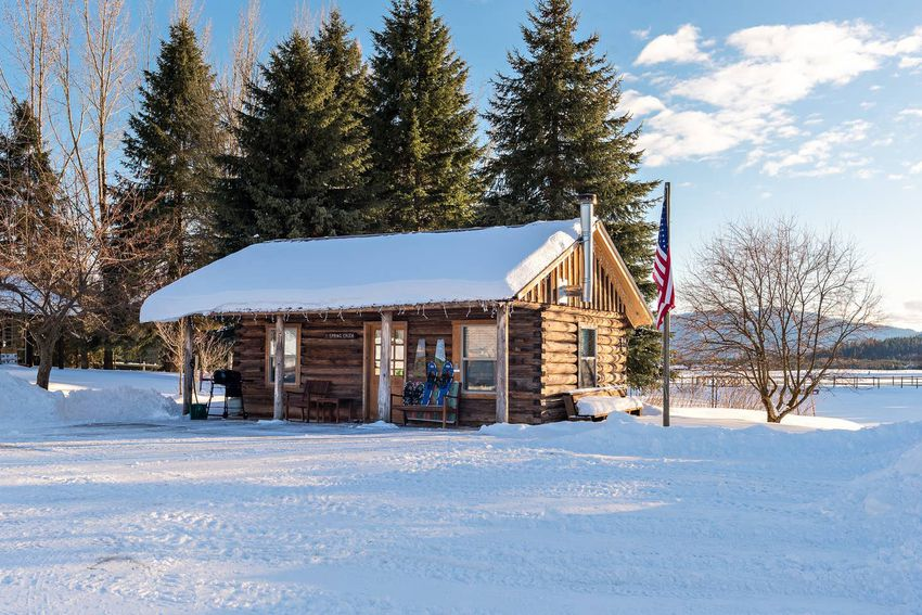 Historic One-Bedroom Cabin in Selle Valley