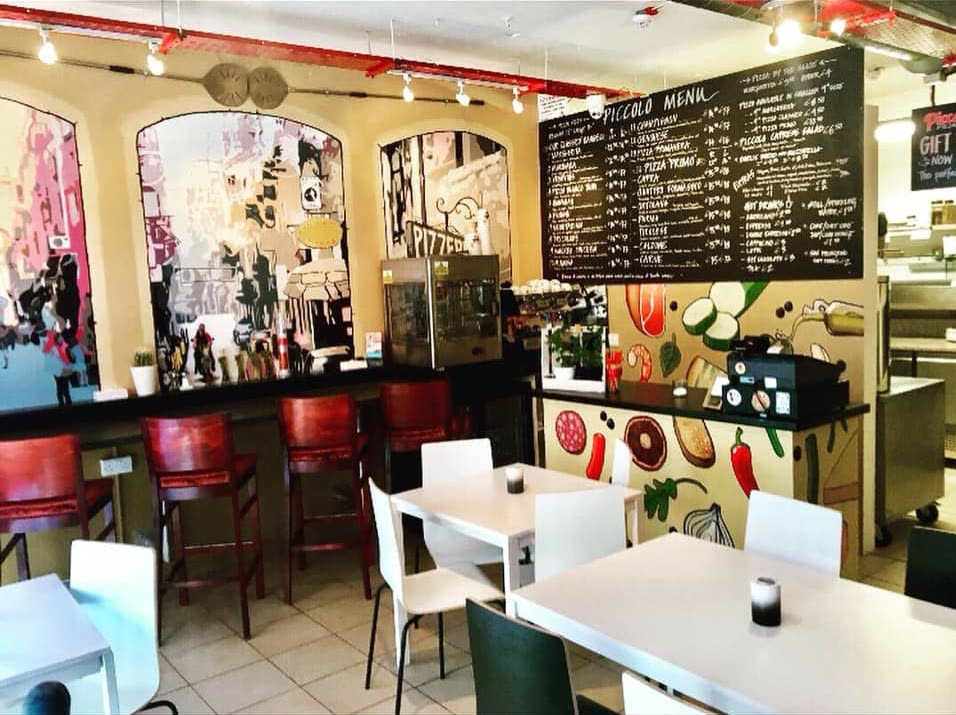 interior casual pizza shop