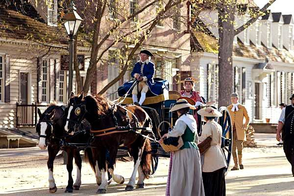 Caballo y carro en Colonial Williamsburg